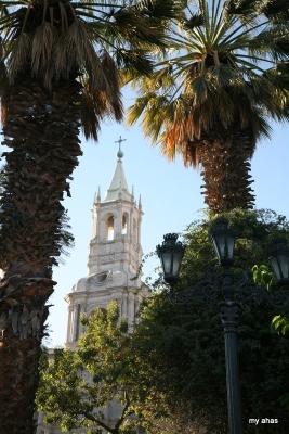 La Catedral, viewed from Plaza de Armas