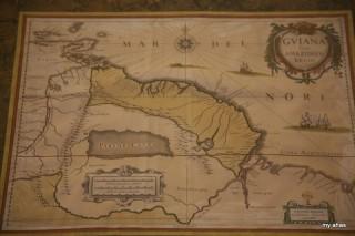Historic map collection at La Casa del Moral