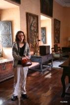 Brian made me pose for a picture inside La Casa de Moral.